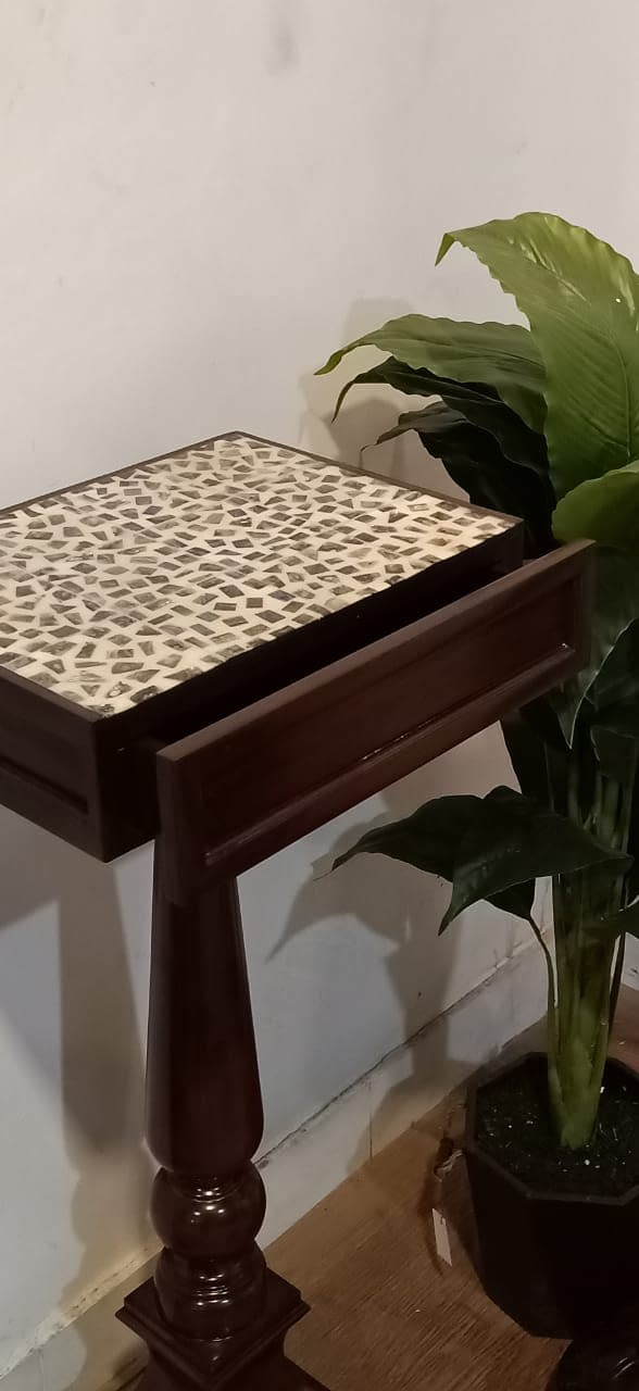 Jardin Tall Side Table2